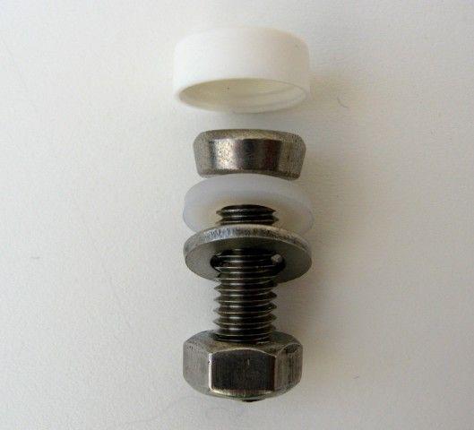 0450 Schraube mit Abdeckkappe